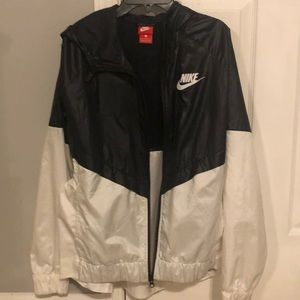 women's nike windbreaker (black&white)